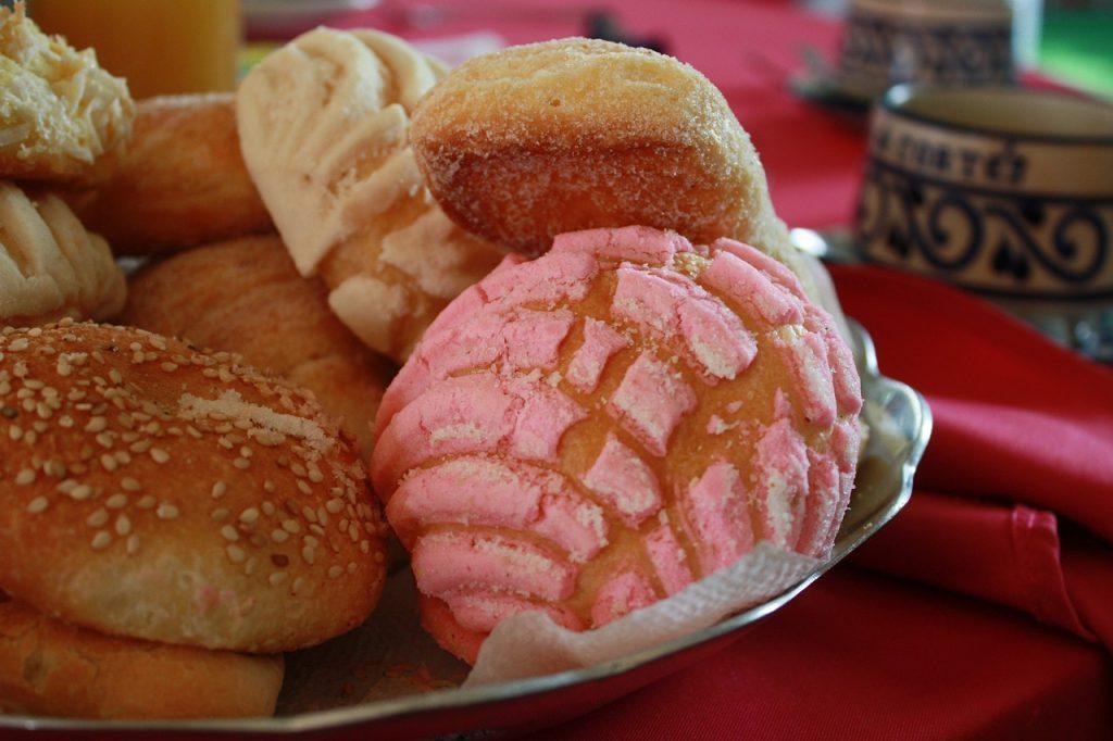 甘い菓子パン