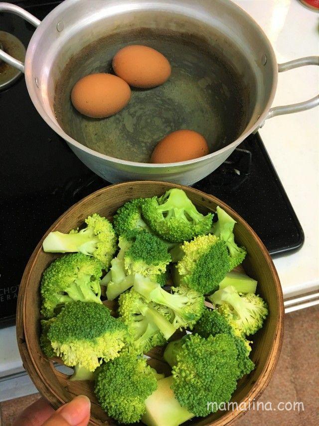 せいろでゆで卵と蒸し野菜をいっぺんに作る